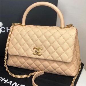 CHANEL Caviar Quilted Medium Coco Handle Flap